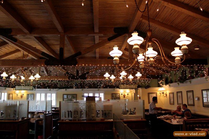 Buellton, California - People enjoying lunch inside Andersen's Restaurant.