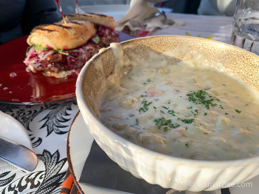 Clam Chowder bowl and Olallieberry Burger at Linn's Restaurant