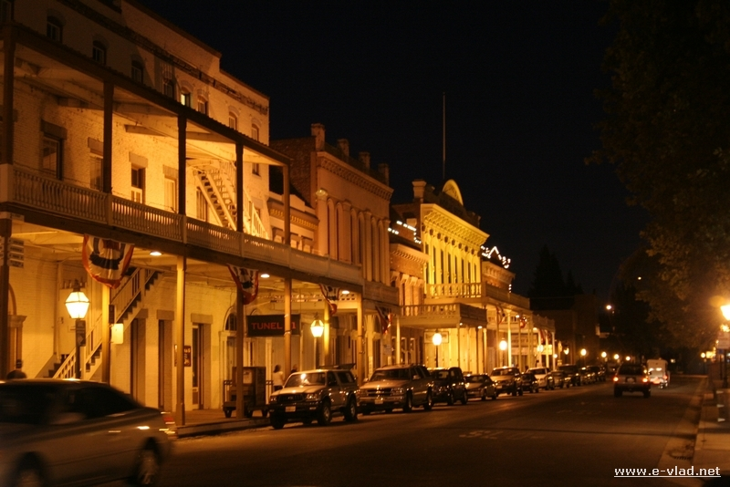 Old Sacramento has kept its Wild West appearance.