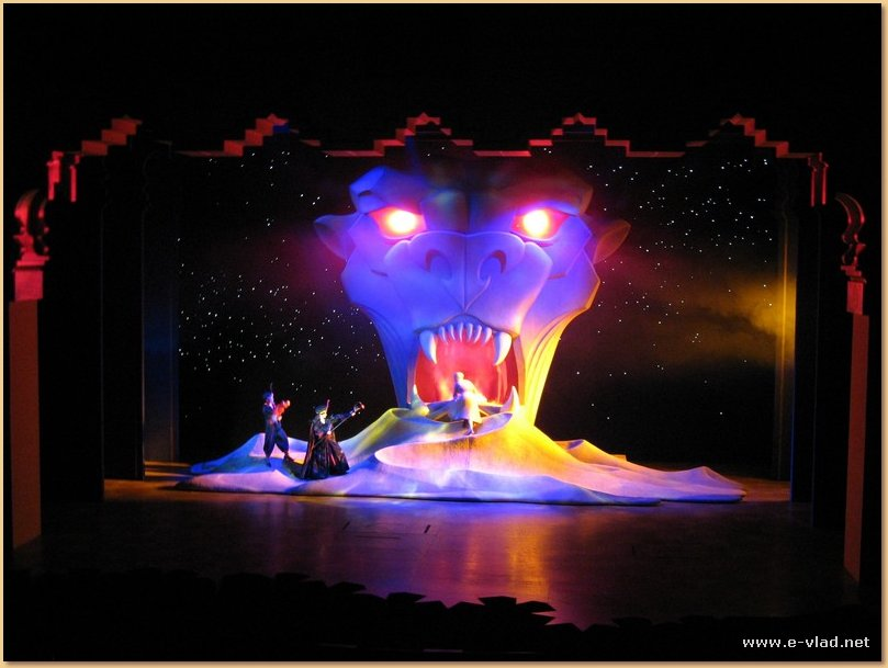 The Alladin Show is a must see attraction at California Adventure Park in Anaheim, California.