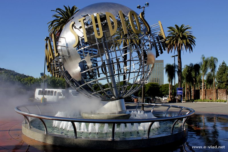 Universal Studios, Hollywood - The water fountain with the Universal Studios symbol at the entrance of the park