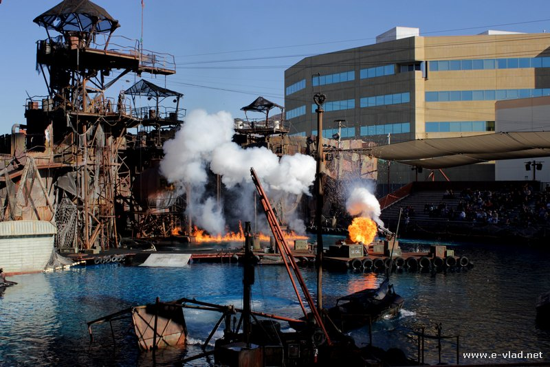 Universal Studios, Hollywood - Explosions and special effects at the Water World attraction at Universal Studios Hollywood