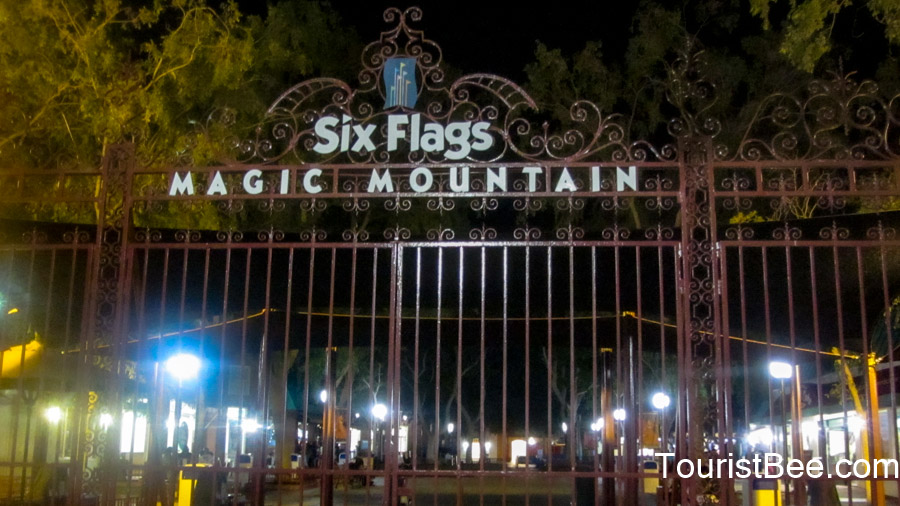 Six Flags Magic Mountain - Entrance gate to the park