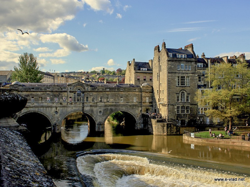 Bath, England - Pulteney Bridge and Weir is one of four bridges in the world having shops on the full span of the bridge.