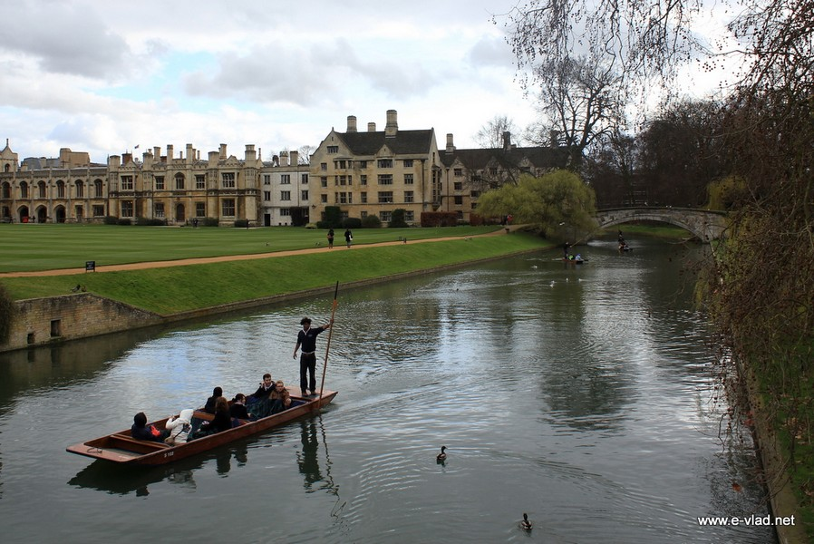 Punting on the river with a great backdrop of the Old Lodge and Library buildings from King's College.