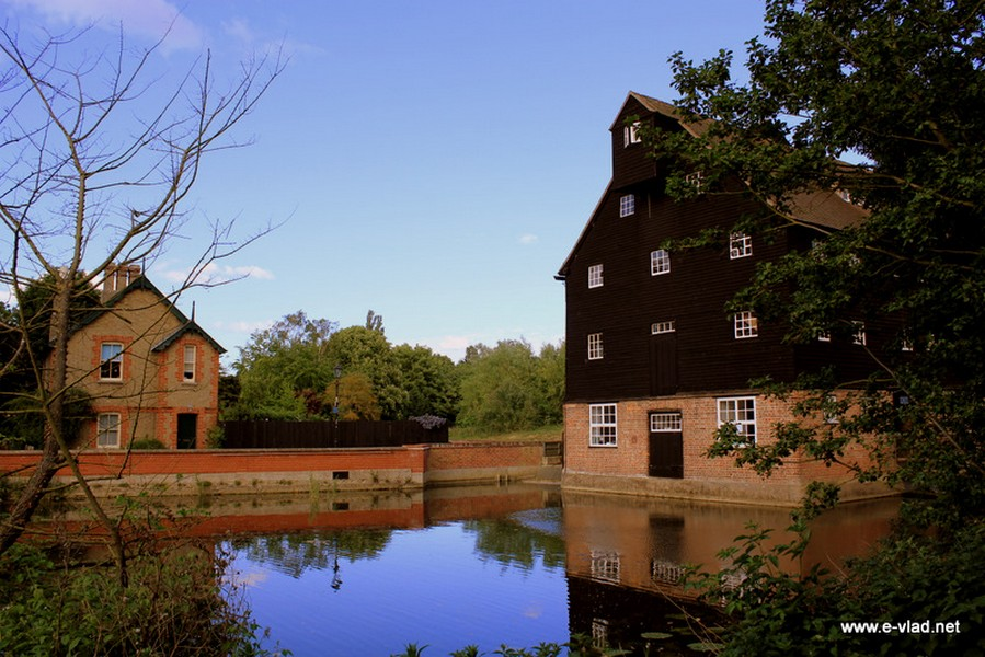 The Houghton Mill is the only working watermill left on the Great Ouse river.