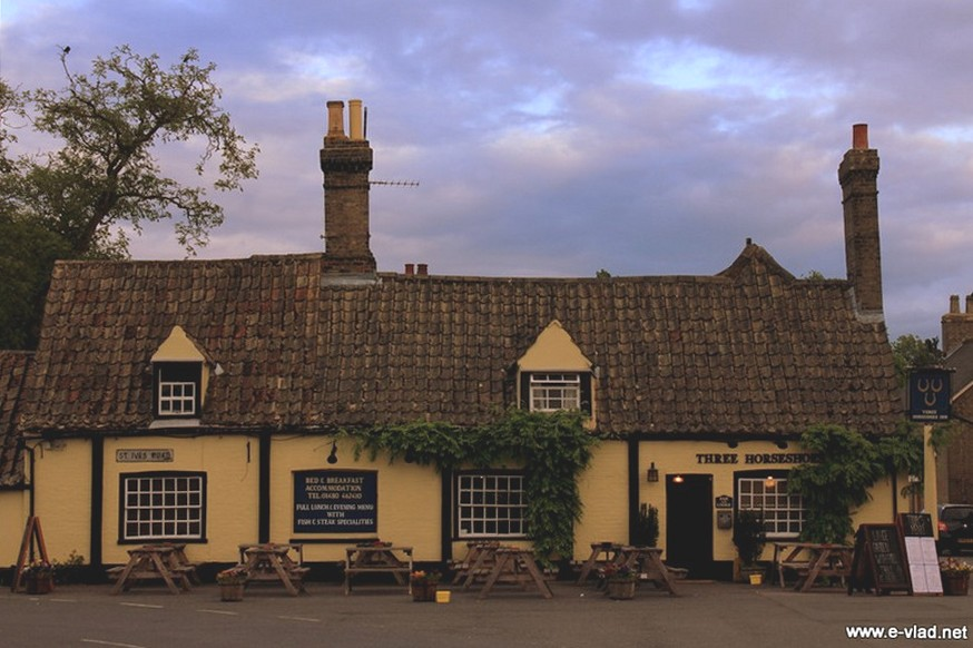 Houghton, Cambridgeshire, England - The Three Horseshoes pub and restaurant in Houghton.