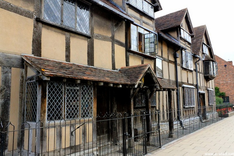 Stratford-upon-Avon, England - The building on Henley Street, where William Shakespeare was born in 1564