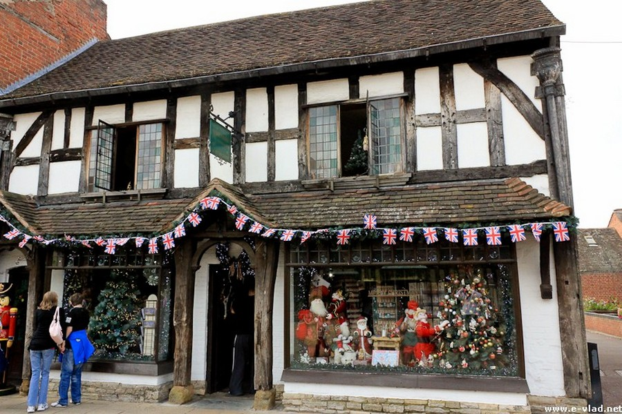 Stratford-upon-Avon, England - Old timber home on Henley Street turned into a souvenir shop