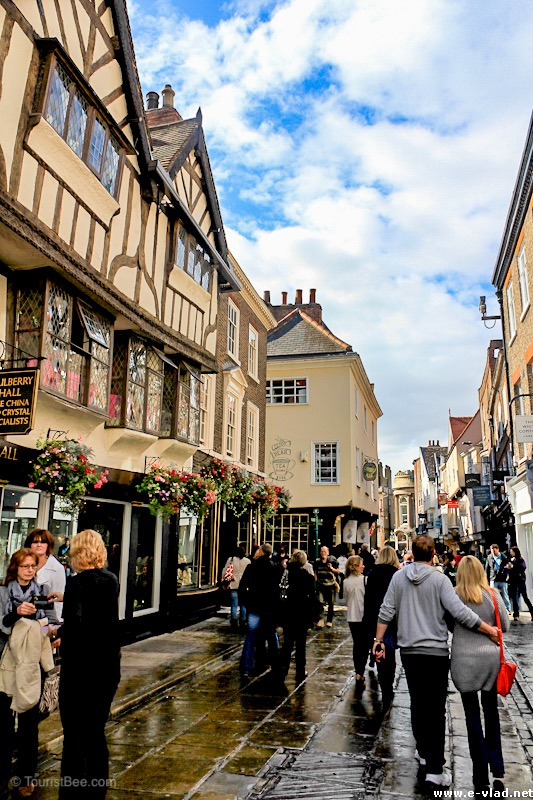York walking tour on Stonegate St