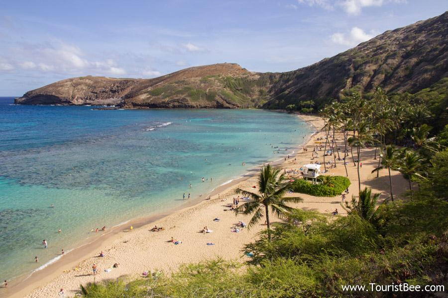 Oahu, Hawaii - Beautiful view of the beach and lagoon at Hanauma Bay