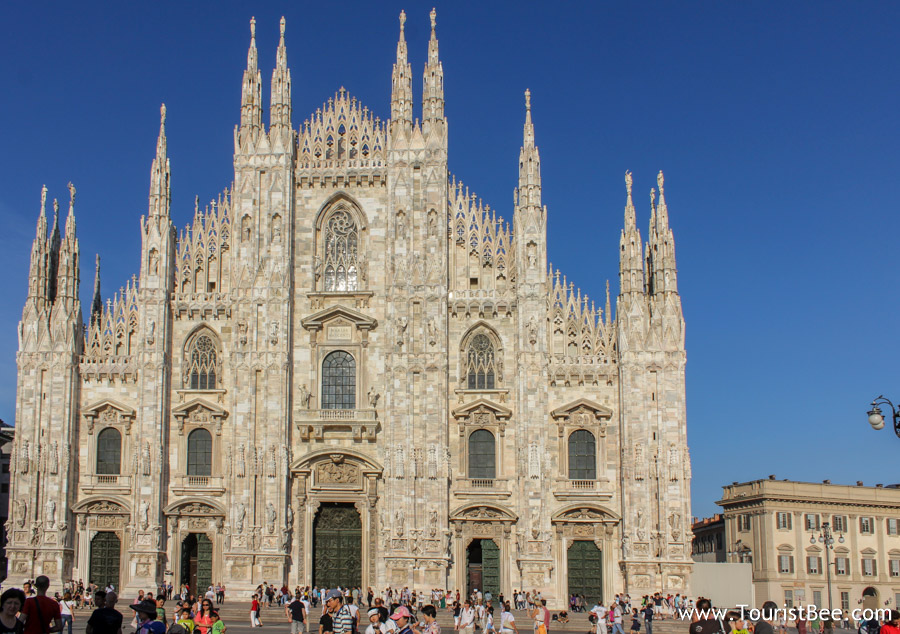 Il Duomo is the best place for starting your walking tour of Milan. The Dome in Milan is one of the largest places of worship in the world.