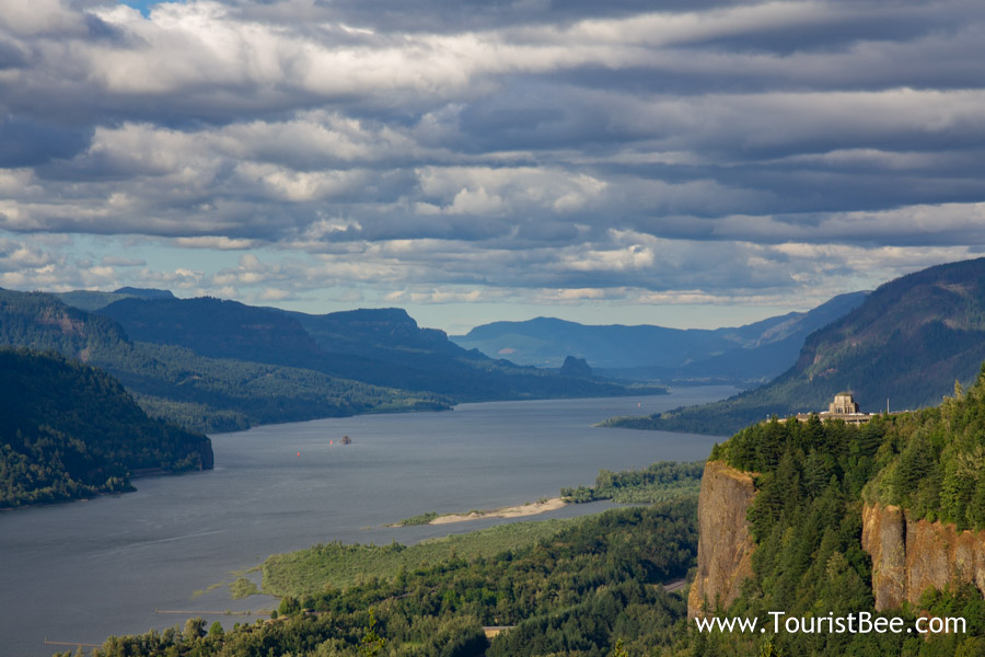 Portland, Oregon - The Columbia River Gorge seen from Portland Women Forum State Viewpoint