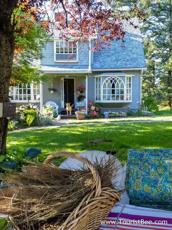 Corbett, Oregon - Chic country cottage on the Historic Columbia River Highway