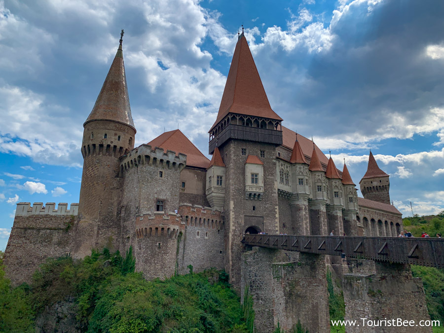 Hunedoara Castle is the most impressive medieval Romanian Castle as it is very well preserved.
