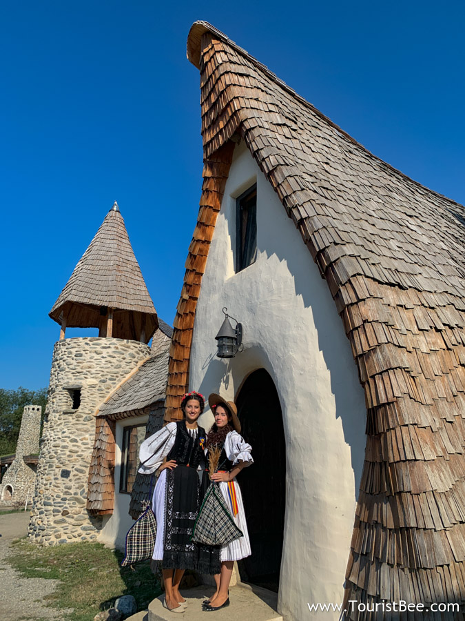 Porumbacu de Sus, Romania - Romanian girls dressed in traditional costumes at Faries Castle