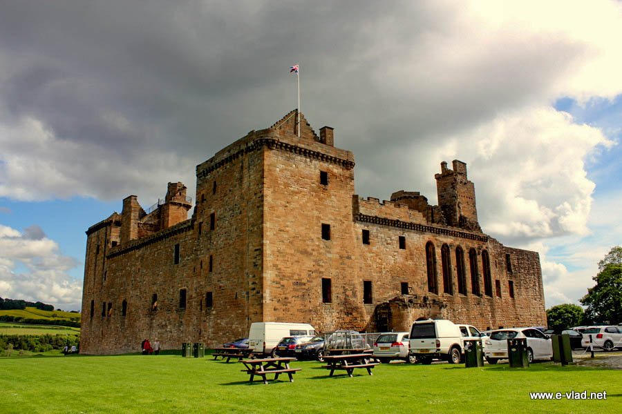 Linlithgow Castle is the place where Mary Queen of Scots and her father King James V of Scotland were born.
