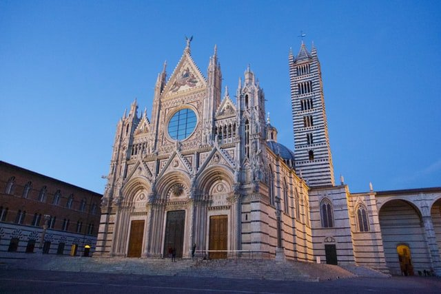 Visiting the Duomo di Siena is one of the best things to do in Siena